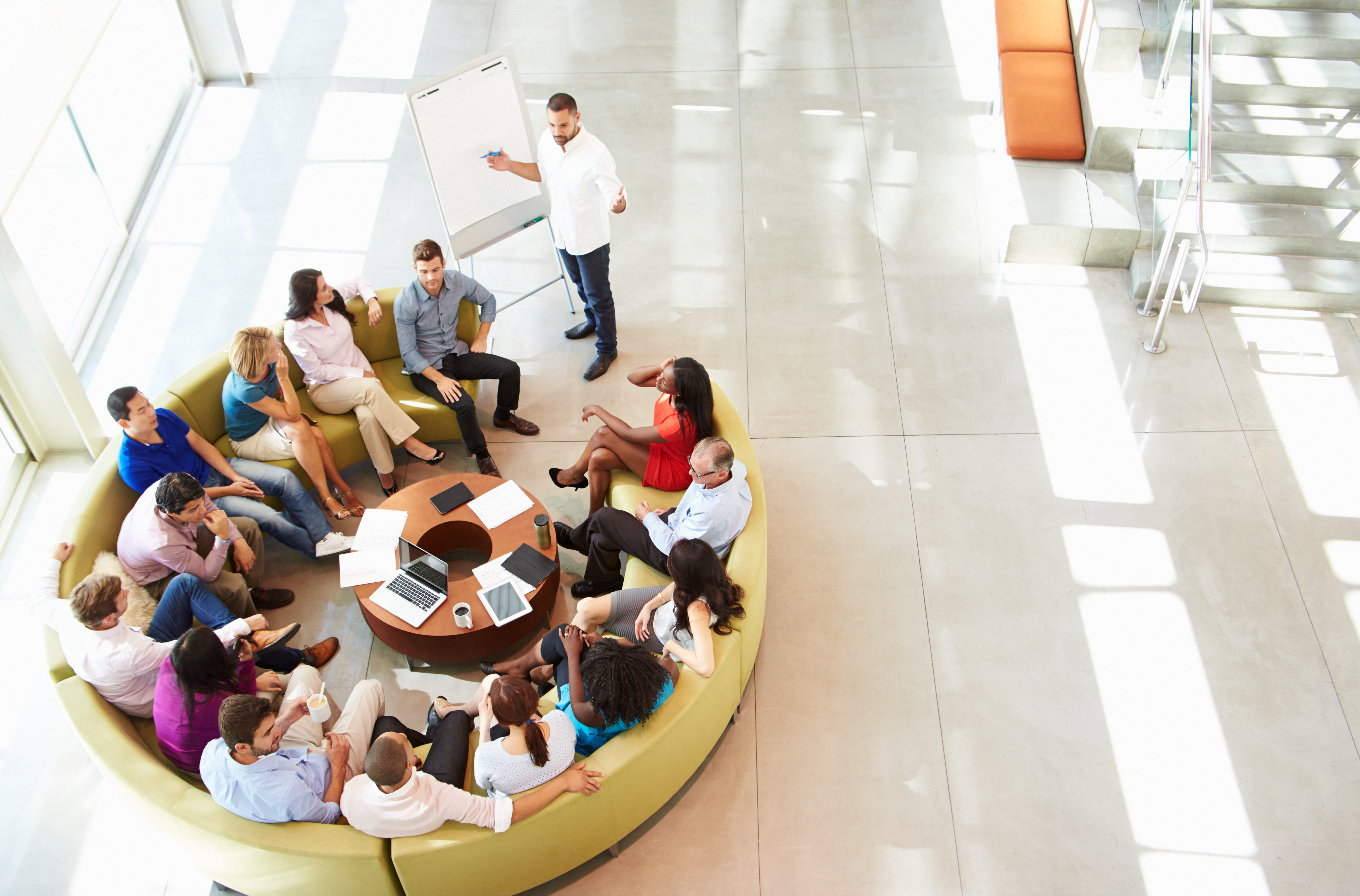 Besprechen Sie noch oder Arbeiten Sie schon?                         – Meeting-Kultur im Wandel